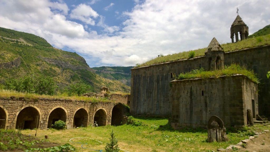 Slow travels to Tatev